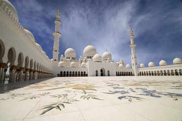 Admire the exquisite Sheikh Zayed Grand Mosque