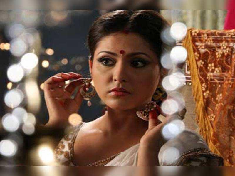 Madhu Shalini to be seen as Seetha