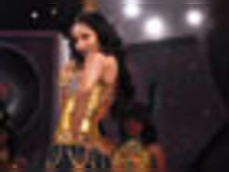 Jodhaa Akbar sweeps Mirchi Music Awards