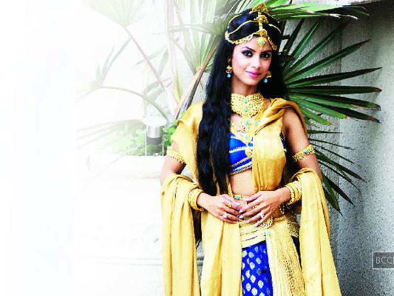 Sayantani Ghosh: I am not dating Terence, we've been trying to meet for a year now!