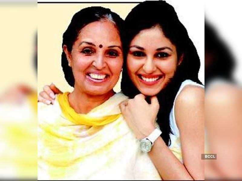 My husband threw us out: Neera Chopra - Times of India