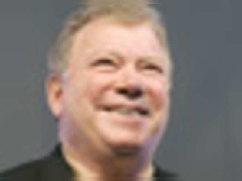 Shatner slams reports of feud with cast