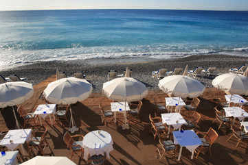 Spend a laidback afternoon at Promenade des Anglais