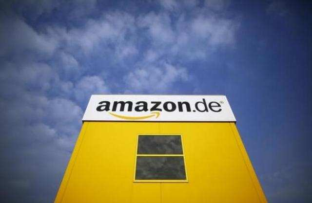 Labour union Verdi has called on workers at online retailer Amazon to go on strike at five locations across Germany, as a row over pay and conditions continues.
