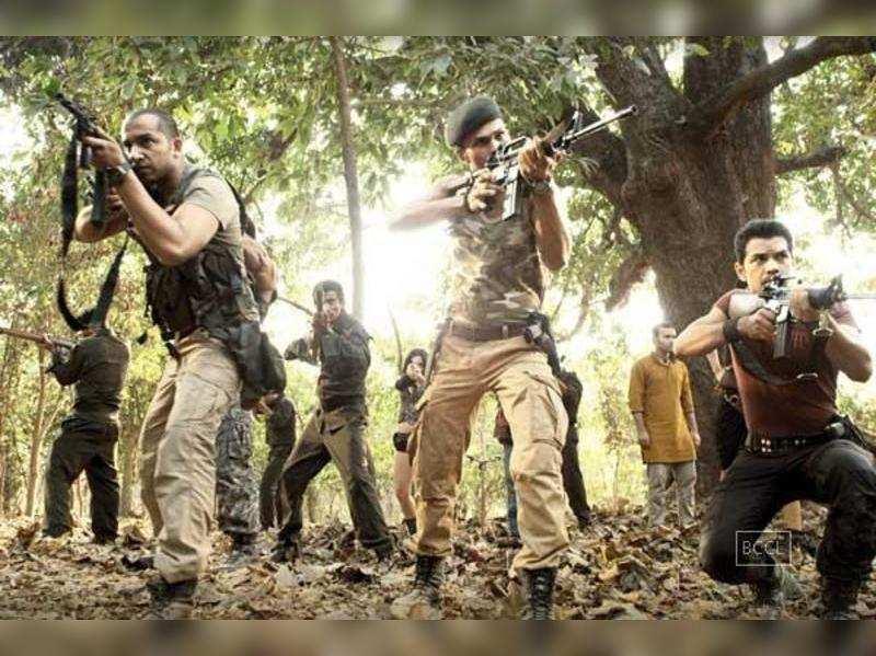Ex-Army commando trains cast of Roar
