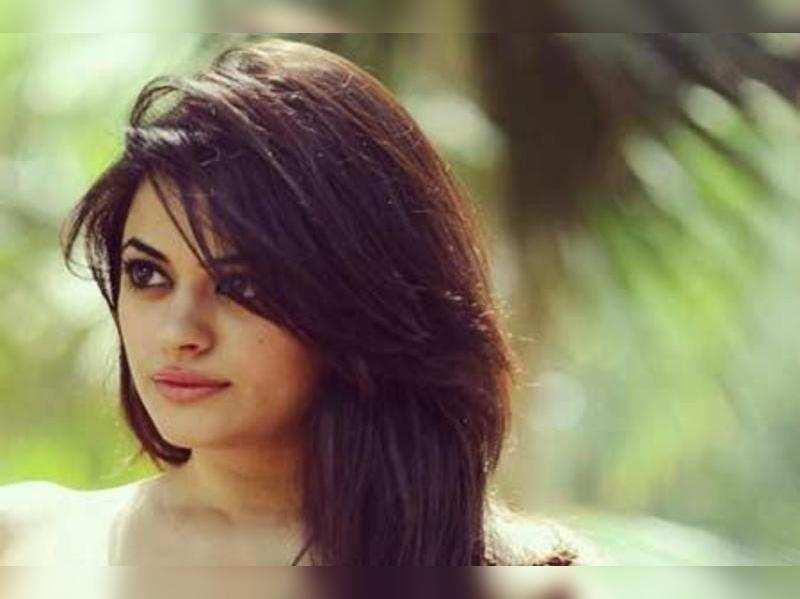 Shruti Sodhi to play a journalist in Kalyanram's film