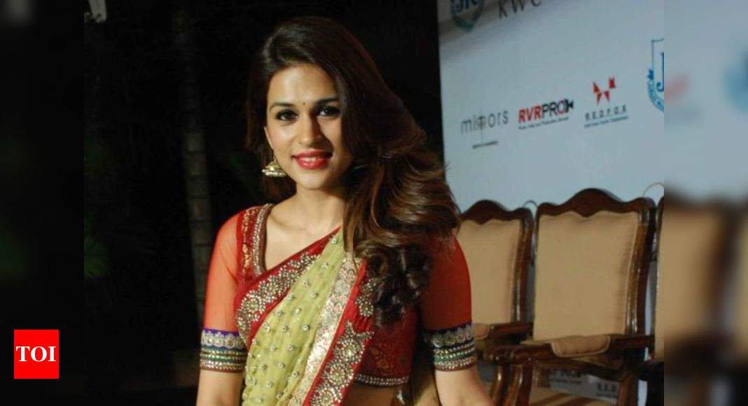 Shraddha Das Sizzles At A Fashion Event In Jubilee Hills International Centre Events Movie News Times Of India
