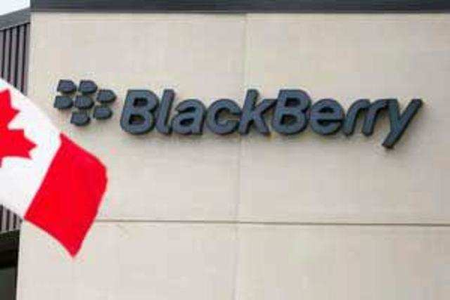 Germany has approved Canadian smartphone maker Blackberry's planned acquisition ofSecusmart.