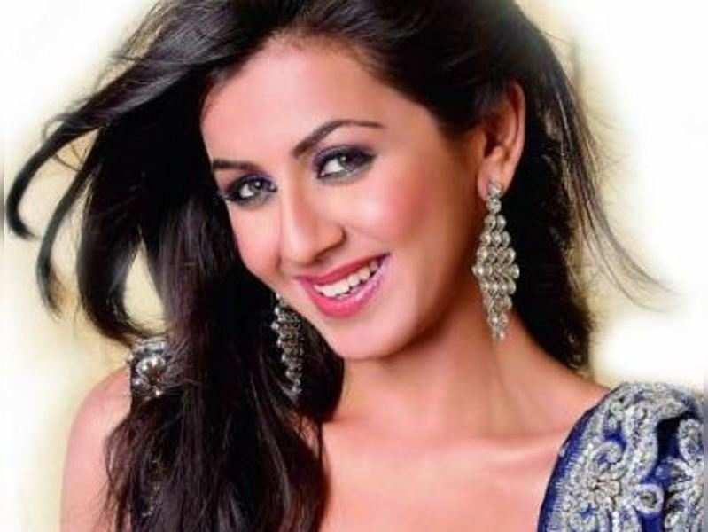 Nikki Galrani opts out of V K Prakash's film