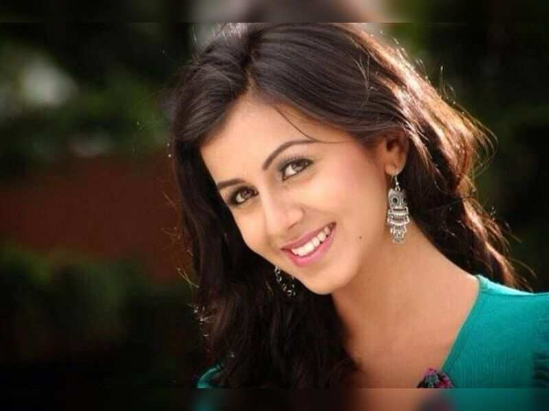 It gets lonely even for actors: Nikki