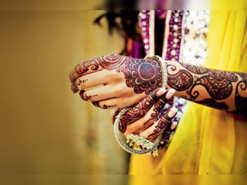 What's your bridal mehendi style?