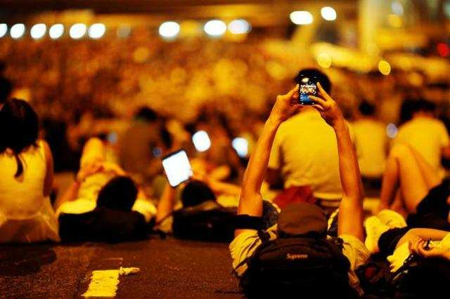 India will surpass the US as the second largest market for smartphones globally by 2016, helped by device makers offering affordable handsets.