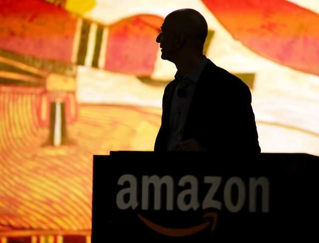 Amazon India may soon extend its online payment gateway to offline sellers listing on its price comparison website Junglee.