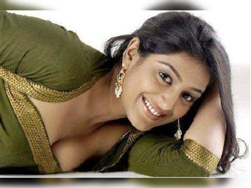 Padmapriya in Vasanth's pro-women film