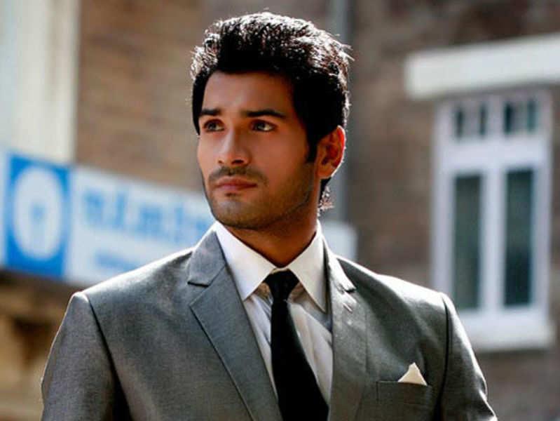 Mrunal Jain to play a college student