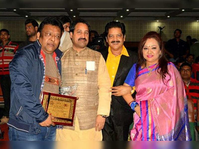 Udit Narayan- Deepa awarded