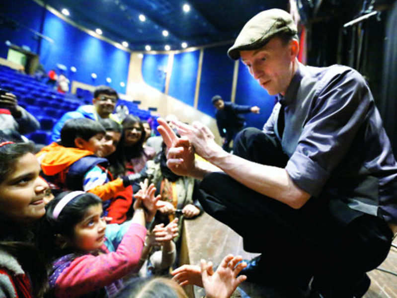Drew Colby enchants kids with a play of shadows at Ishara International Puppet Festival in Gurgaon