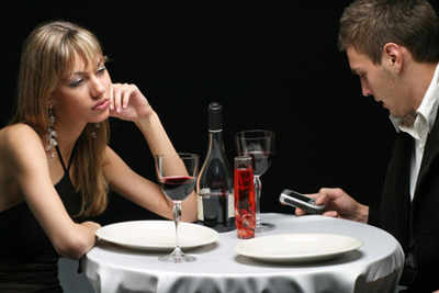 What not to do while dining out