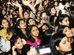Mohit Chauhan performs at Sri Venkateswara College