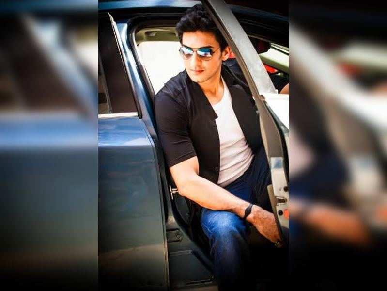 Manish Raisinghani's humble request