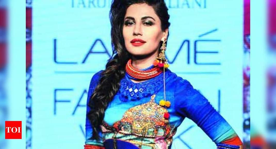Chitrangda Brings Summer Colours Alive Times Of India
