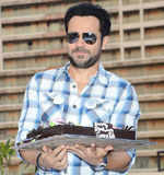 Emraan celebrates b'day with media