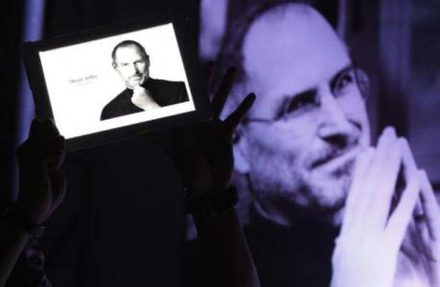 Apple's co-founder, savior, and mega-star, Steve Jobs knew what he was getting into when he askedIsaacsonto tell his story.