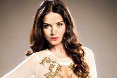 Celeb cook-in: Manasi Moghe (Miss Diva Universe 2013)