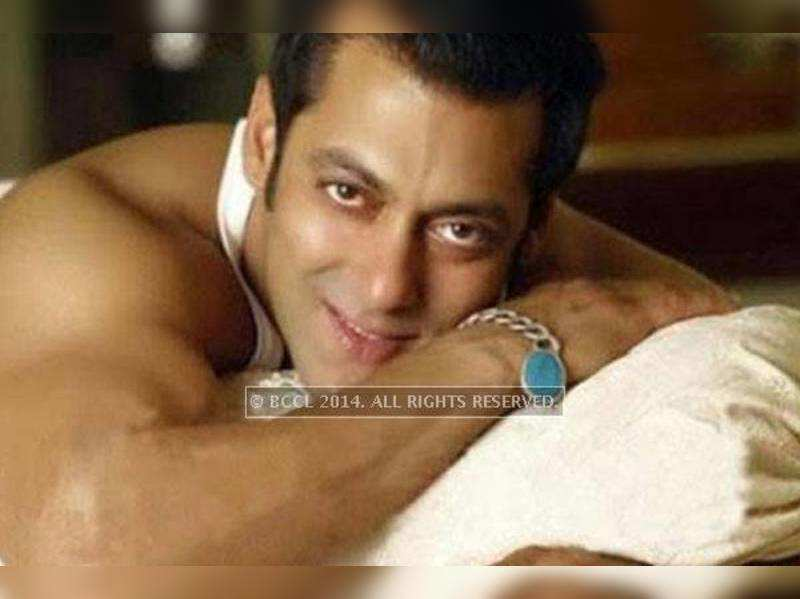 "Salman Khan in Kashmir for ""Bajrangi Bhaijaan"""