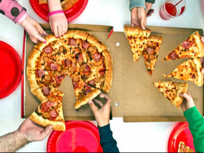 Pizza most preferred food while watching cricket: Survey