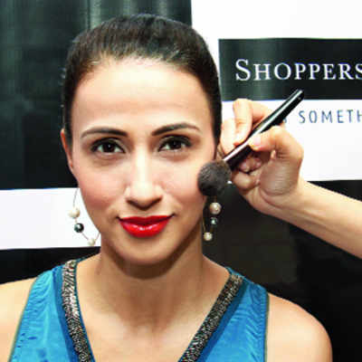 Try a stylish makeover with Alesia Raut