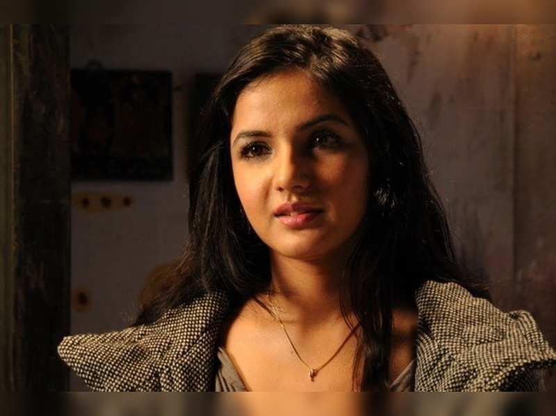 Vaanam' actress Jasmin to debut on TV - Times of India