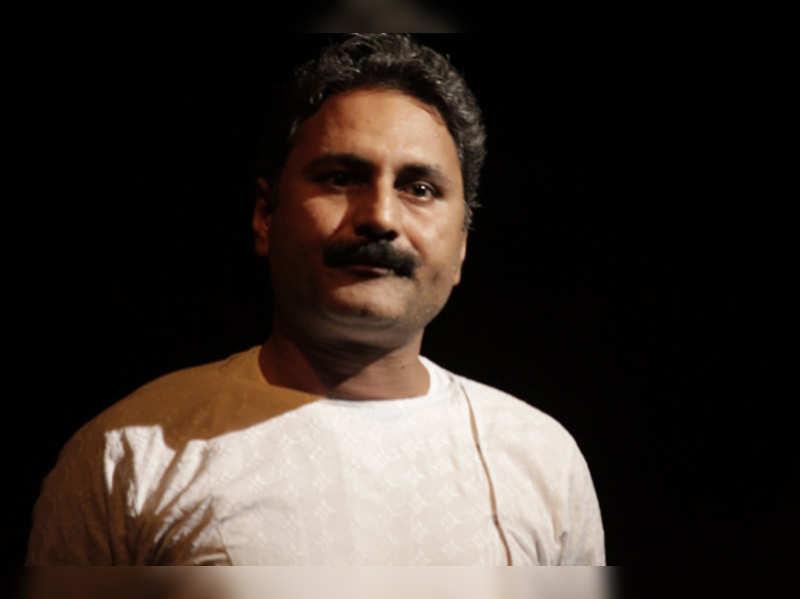 Mahmood Farooqui: He revived lost Urdu art, made it popular