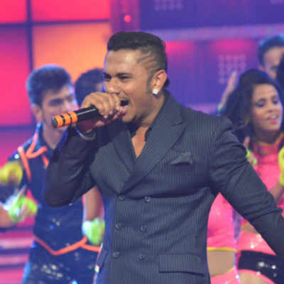 Yo Yo Honey Singh performing at the grand finale of fbb Femina Miss India 2014 in Mumbai.