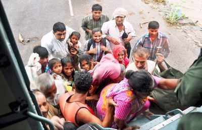 Defence ministry raises Rs 500cr bill for J&K flood assistance
