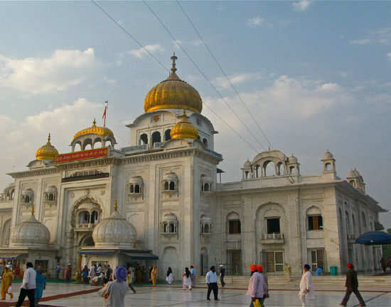 Gurudwara Bangla Sahib - Delhi: Get the Detail of Gurudwara Bangla Sahib on  Times of India Travel