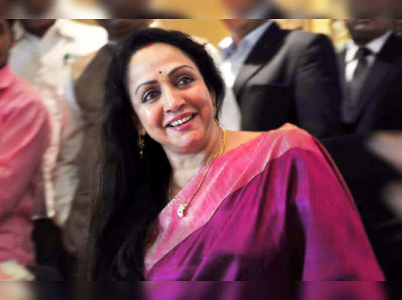 Hema Malini injured in road accident in Rajasthan