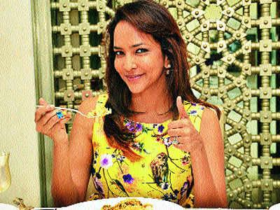 2 AM biryani during ramzan is food for the soul