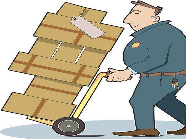 With pickup and delivery services coming to a halt at several major operations'centresin the city, close to 5,000 packages remained undelivered, according to those manning the dispatch units.