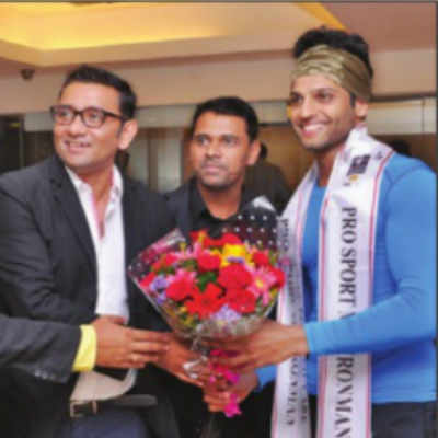 Mr India runner-up Rahul gets mobbed at college