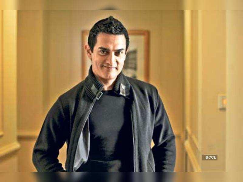 "Aamir Khan   <a href=""http://photogallery.indiatimes.com/portfoliolist/3879094.cms"" target=""_blank"">More Pics</a>"