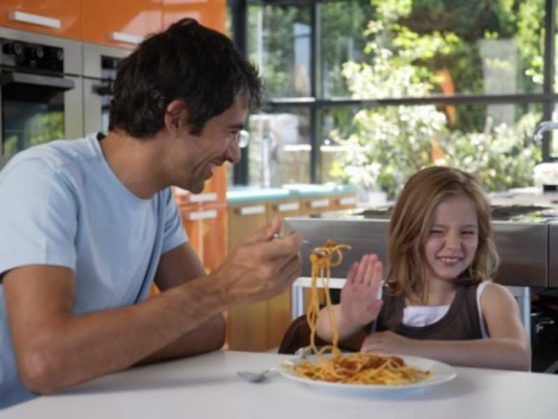 How to make fussy eaters 'eat'