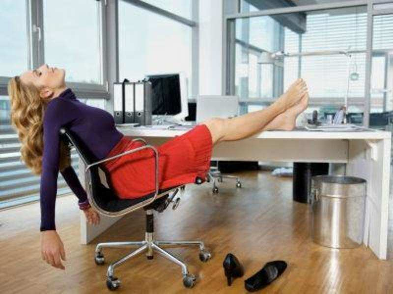 Barefoot in office boosts creativity (Getty Images)