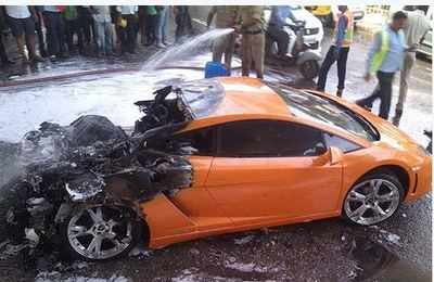 Delhi How Rs 2 5 Crore Lamborghini Went Up In Smoke Near Badarpur