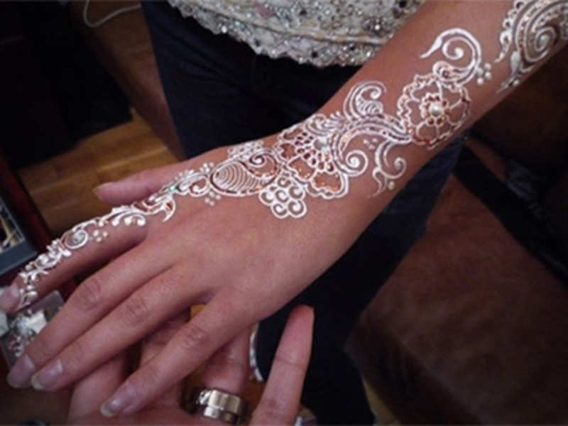 What is this 'white henna' trend!