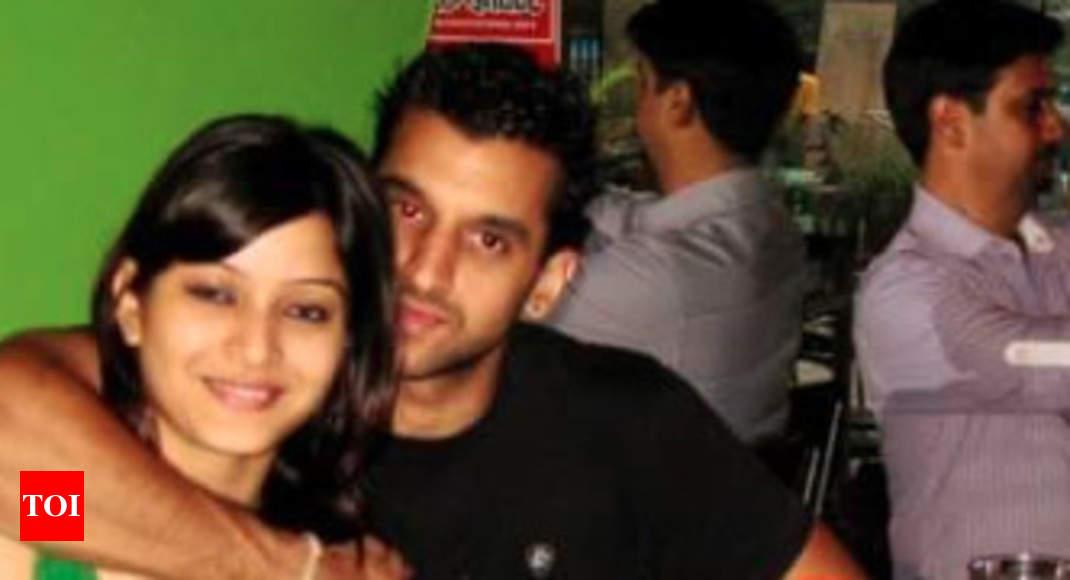 CHERI: Delhi wife swaping