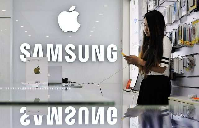 Both Apple and Samsung are launching their new flagship phone models much ahead ofDiwalithis year to make the most of the festive season.