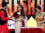 Isha Koppikar with show hosts Rithvik Dhanjani and Asha Negi
