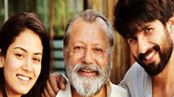 Shahid shares family pic with wife Mira and dad Pankaj Kapoor