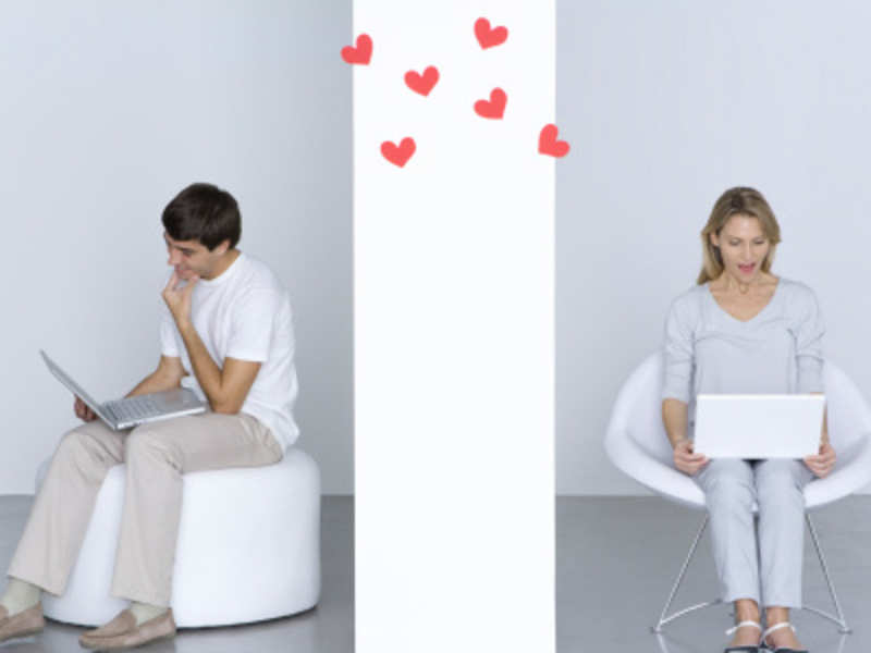 Online dating: 5 things to say in your first message
